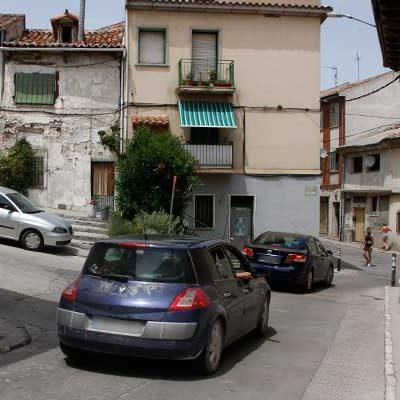 La calle Arévalo pasará a tener un único sentido del tráfico antes de final de año