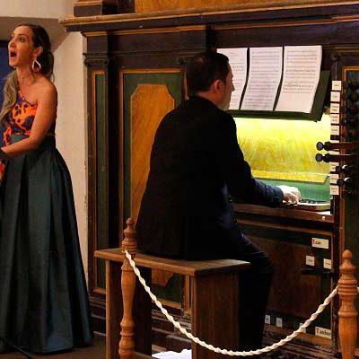 El órgano de San Andrés volvió a sonar con Jorge Colino y la soprano Sonia Santoyo
