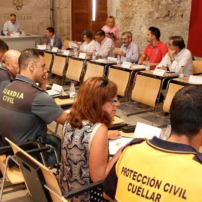 La Junta de Seguridad anuncia la vigilancia del consumo de alcohol y drogas y la prevención de agresiones machistas en las fiestas