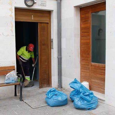 El Ayuntamiento acomete la limpieza del área de Niñas Huérfanas