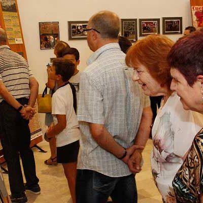 La Peña El Encierro recorre en una exposición fotográfica los 60 años de la plaza de toros de Cuéllar