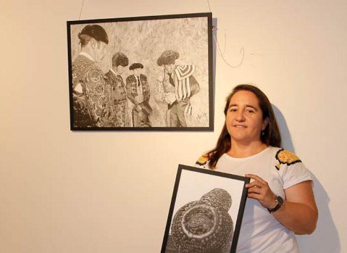 Temática taurina en la exposición `La vida a lápiz-óleo´ de Mer Fidalgo en Tenerías
