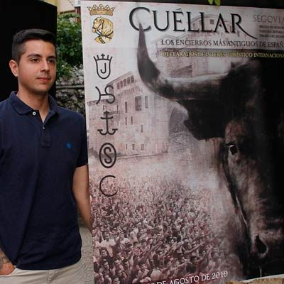 El cuellarano Miguel Pérez, autor del cartel oficial de las fiestas de la Virgen del Rosario