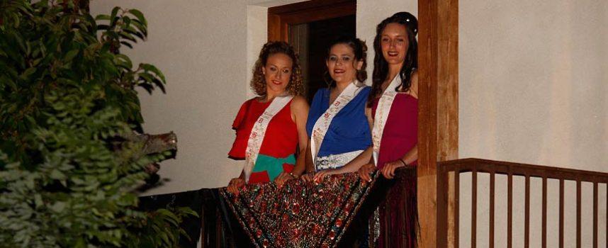 La Banda Municipal y la Coral Cuellarana rondaron a la Corregidora y sus damas