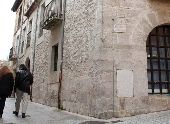 El Ayuntamiento acerca a los alumnos de primaria y secundaria la figura de Leonardo Da Vinci