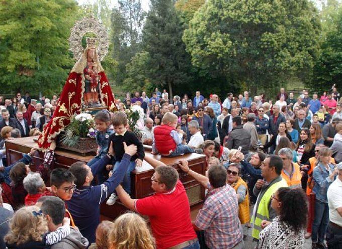 El Henar celebra la festividad de la virgen sin procesión ni puestos de venta ambulante