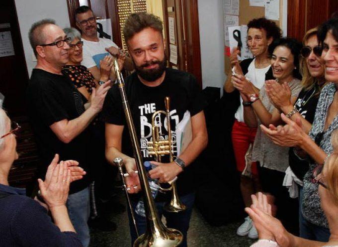 The Big Band Theory se suma a la audición del profesor de viento metal de la Escuela de Música