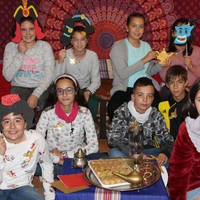 El colegio San Gil  viaja a las `Mil y una noches´para celebrar el Día de las Bibliotecas