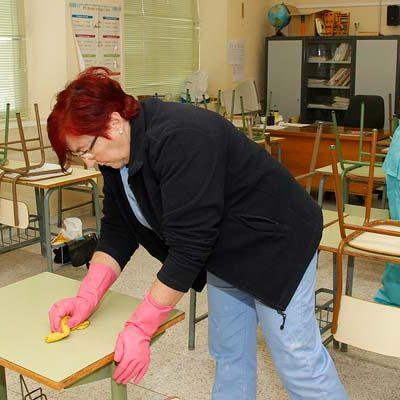 El Ayuntamiento de Cuéllar destinará unos 3.100 euros mensuales a la limpieza extra de los colegios