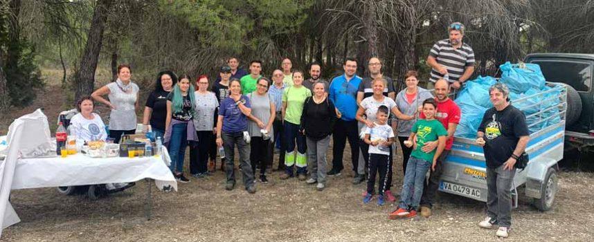 Voluntarios retiran más de 500 kilos de residuos en un paraje de Torrescárcela