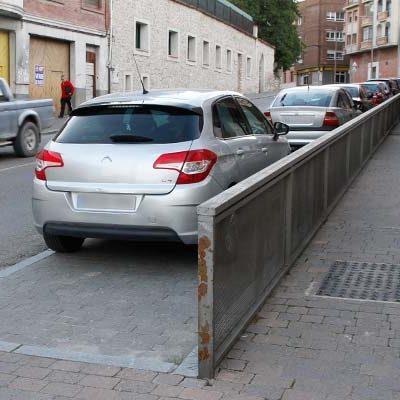 El Ayuntamiento suprimirá la valla del aparcamiento de la calle Nueva