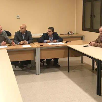 La Junta traslada a regantes y ediles del PP de Gomezserracín su compromiso con la mejora del regadío en El Carracillo