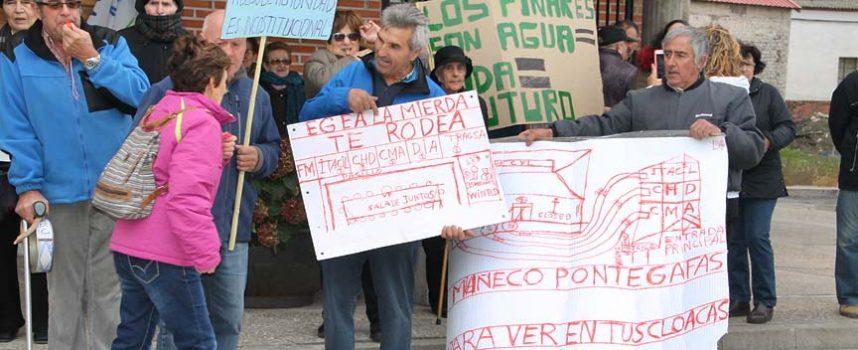 Cacerolada en Gomezserracín para decir no a la concentración parcelaria de sus pinares