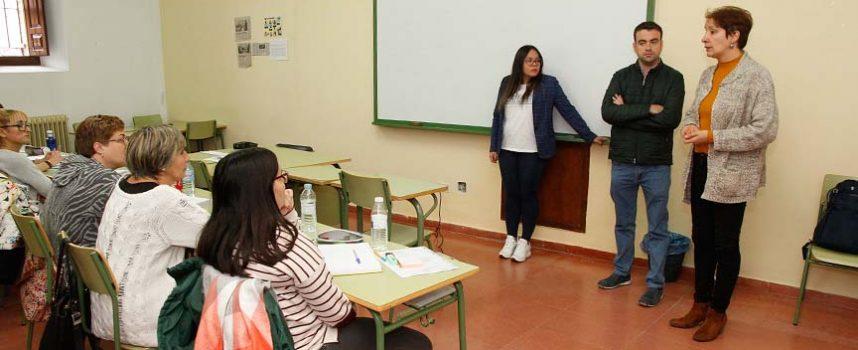Villa y Tierra iniciará en febrero un programa mixto de asistencia geriátrica con seis alumnos