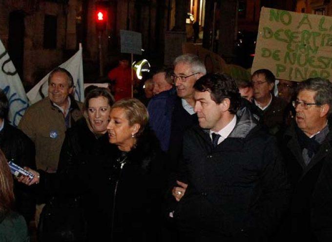 Fernández Mañueco garantiza la pervivencia de los consultorios locales en su mitin en Sanchonuño