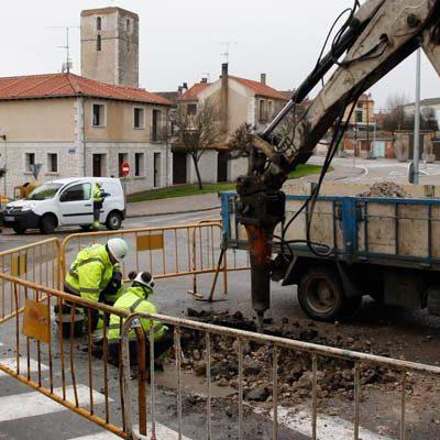 El Ayuntamiento restablece el servicio de agua en San Gil tras más de 14 horas sin suministro