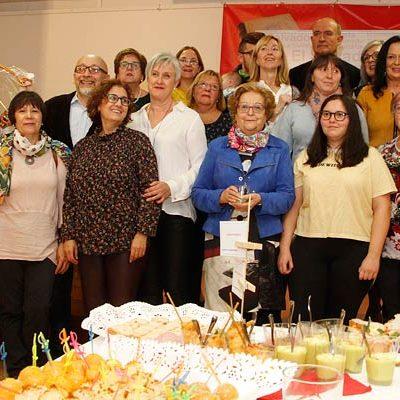 Los vecinos de La Cuesta y El Salvador preparan la Navidad intercambiando sus recetas