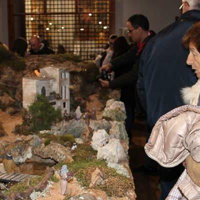 El pregón navideño de Jesús García inaugura la ruta de belenes de la villa