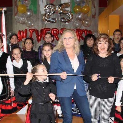 Jotas y chocolate en la inauguración del XX Rastrillo Solidario del Centro de Día