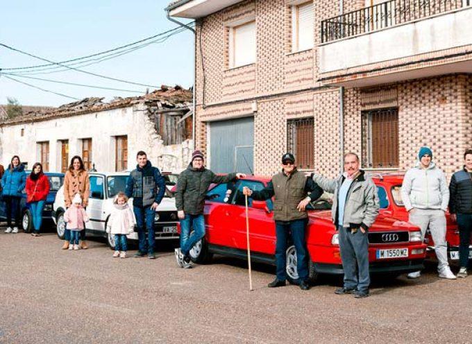 Visita a Moraleja de Cuéllar del Hierro Vintage Club de Valladolid