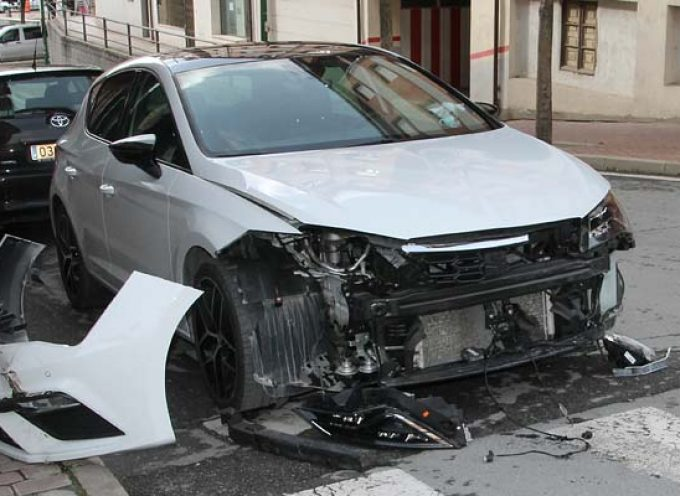 Accidente sin heridos en la avenida Camilo José Cela