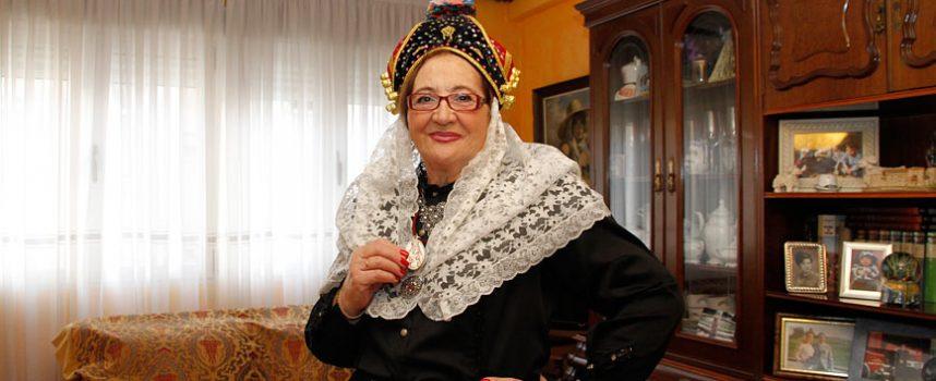 Henar Vázquez, primera mujer mayordoma de la Cofradía de Las Candelas