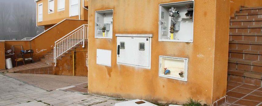 Los vecinos de Fuente la Bola están pendientes de que la Justicia solucione el abandono que sufre la urbanización