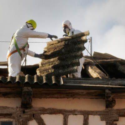 Las obras en los edificios de la calle San Julián llevan al corte al tráfico de esta y la calle Nueva