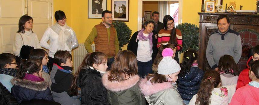 El Ayuntamiento abrió sus puertas a los alumnos del colegio La Villa