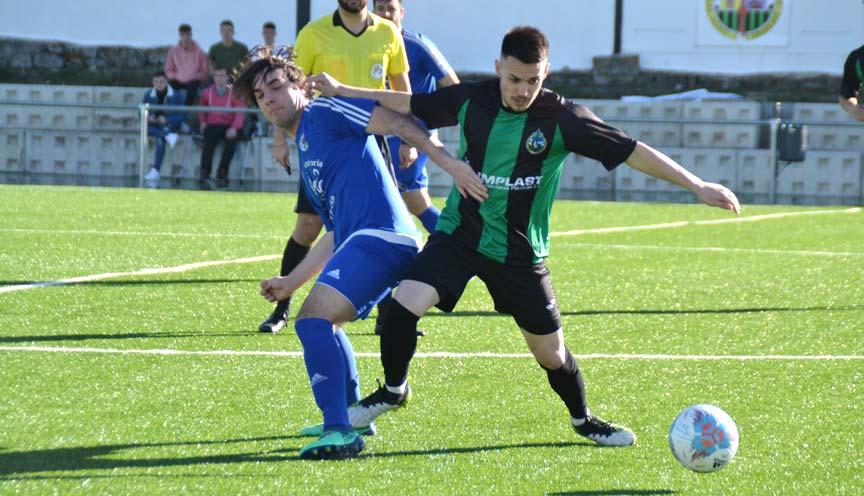 Cuéllar, Pibe, pelea con un rival de UD El Espinar San Rafael.