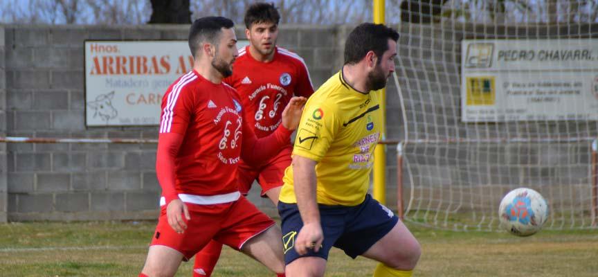 Imagen del partido entre Sporting Riazano y CD Cuéllar