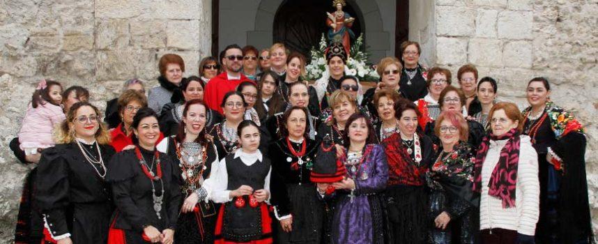 Danzas y vivas para honrar a Santa Águeda en Cuéllar