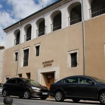 PSOE e IU sacaron adelante la remunicipalización del albergue