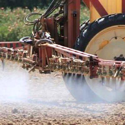 Agricultores y ganaderos de UCCL Segovia colaboran en la desinfección de los pueblos de la provincia