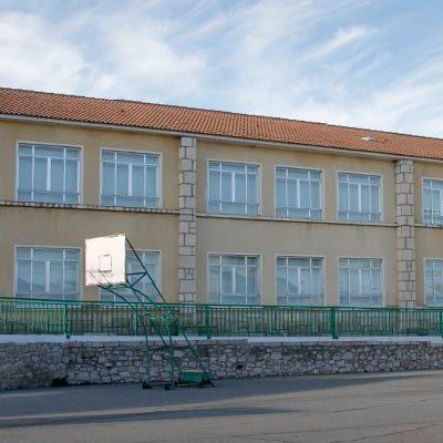 Tres alumnos del CRA EL Olmar permanecen aislados tras el positivo en COVID19 de su madre