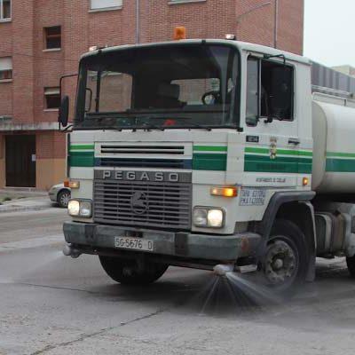 El Ayuntamiento continúa desinfectando las calles