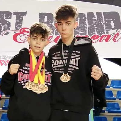 Alain y Hugo González han vuelto a la competición en el Open Villa de Laredo de Kick Boxing