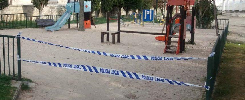 El Ayuntamiento de Cuéllar cierra los patios de los colegios y precinta los parques infantiles para prevenir contagios