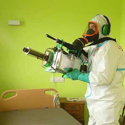 El ejército realiza nuevas labores de descontaminación en la Residencia El Alamillo