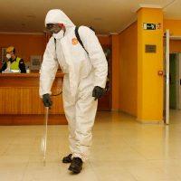 La UME desinfecta la Residencia de Ancianos El Alamillo en Cuéllar