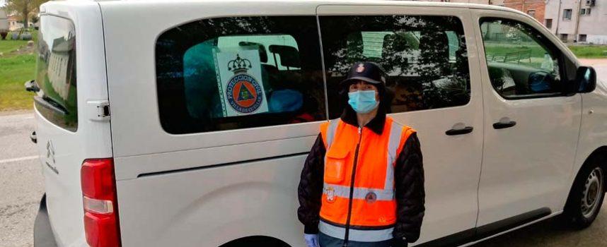Racing Cuéllar y Atletismo Cuéllar alquilan una furgoneta para ayudar con los repartos de Protección Civil