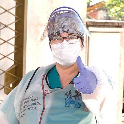 La enfermera cuellarana Mayte Llorente asegura que nunca imaginó que se enfrentaría a una pandemia