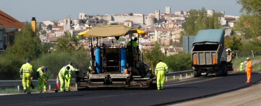 Fomento acondiciona el firme de la SG-223 entre Cuéllar y el límite con la provincia de Valladolid