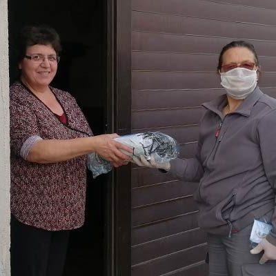 El Ayuntamiento de Gomezserracín distribuye 700 mascarillas entre sus vecinos y empresas