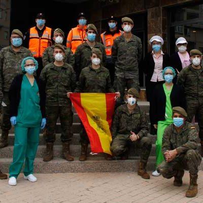 Efectivos de la Academia de Artillería de Segovia desinfectan el Centro de Mayores Valdihuertos
