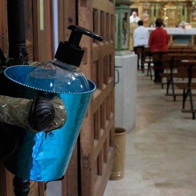 Las iglesias abren sus puertas al culto