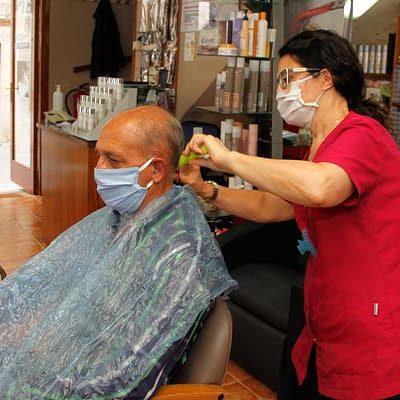 Las medidas sanitarias marcan la apertura de comercios y peluquerías en Cuéllar