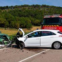 Tres heridos en el choque frontal de dos vehículos en Cogeces del Monte