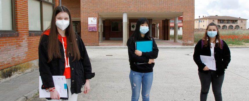 Catorce alumnos del IES Marqués de Lozoya acuden a las clases de refuerzo para preparar la EBAU