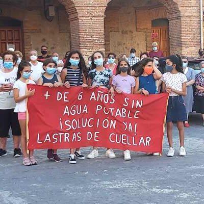 """Los vecinos de Lastras de Cuéllar reclaman: """"¡agua potable en el grifo ya!"""""""